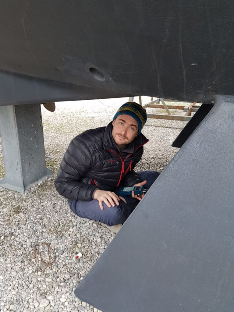 Iñaki testing the thickness of the aluminium sailboat Viribus Unitis