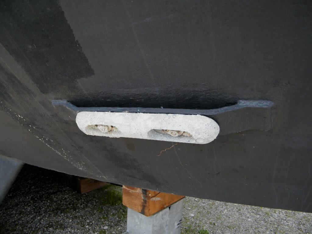 La vérification des anodes fait partie d'une inspection marine