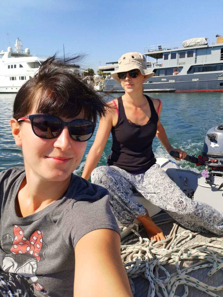Pati and Cari enjoying the dinghy ride