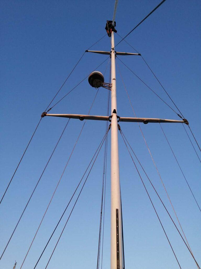 Pati working up the mast