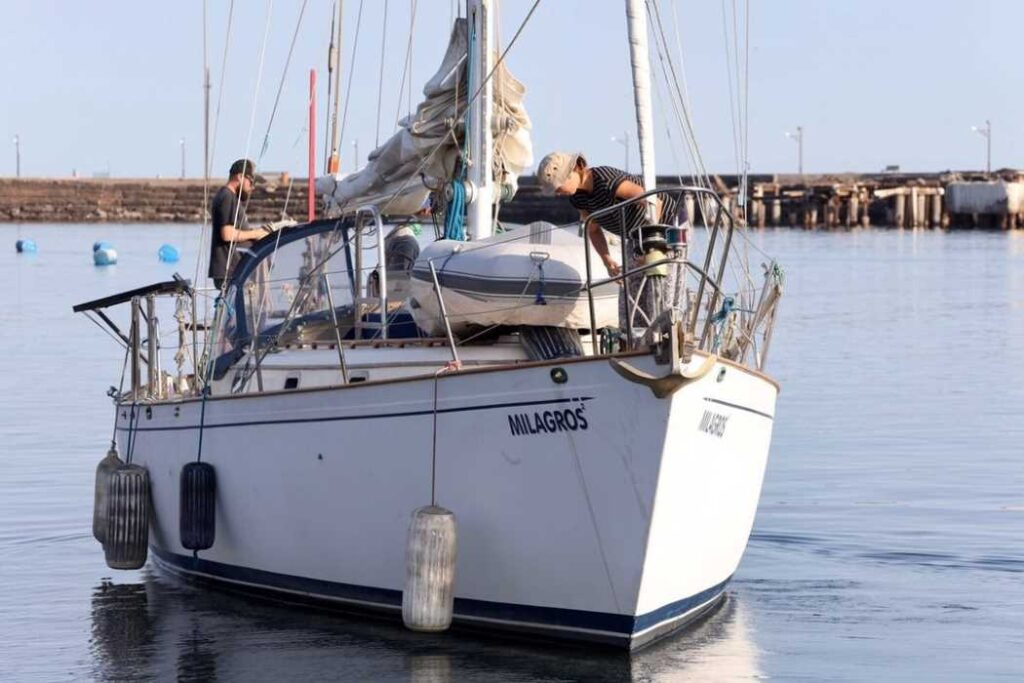 Milagros leaving the Dock in Santa Rosalia
