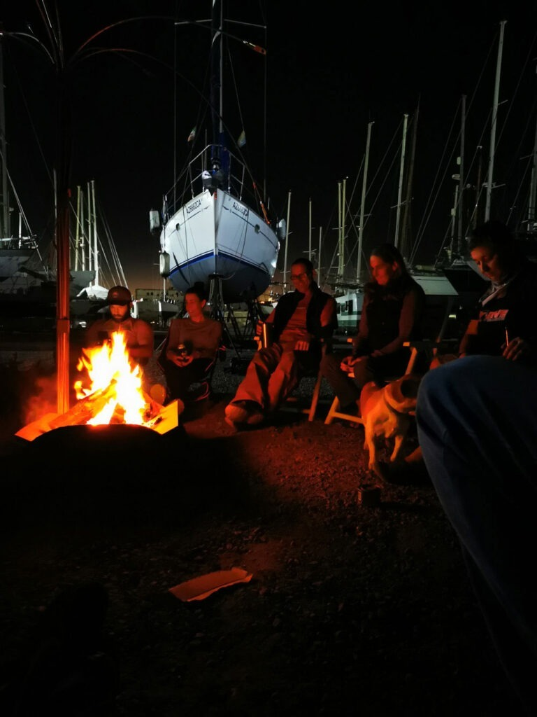 Bonfire with the other cruisers