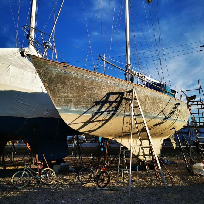 Gelcoat schleifen am eigenen Segelschiff
