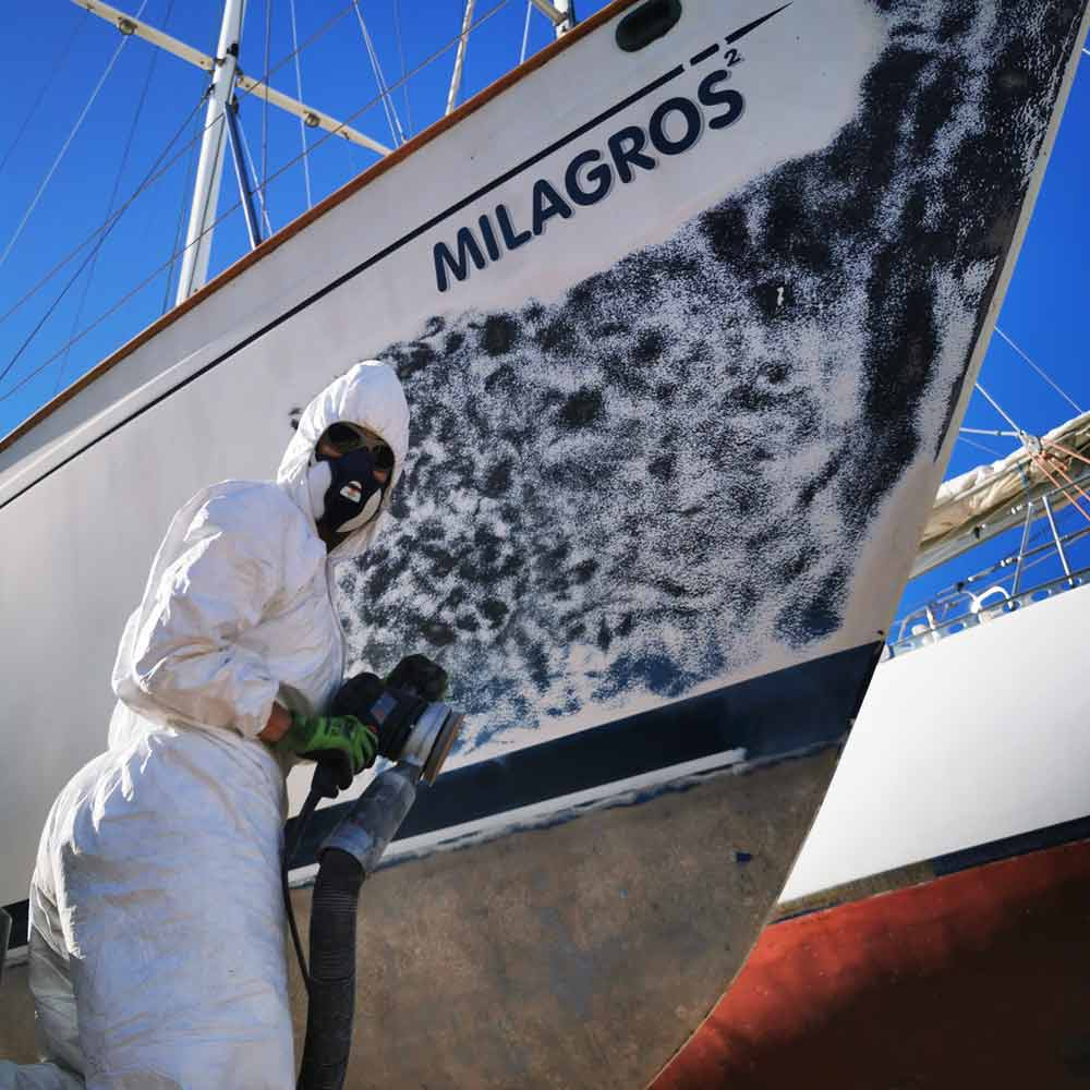 Sanding gelcoat on a sailboat