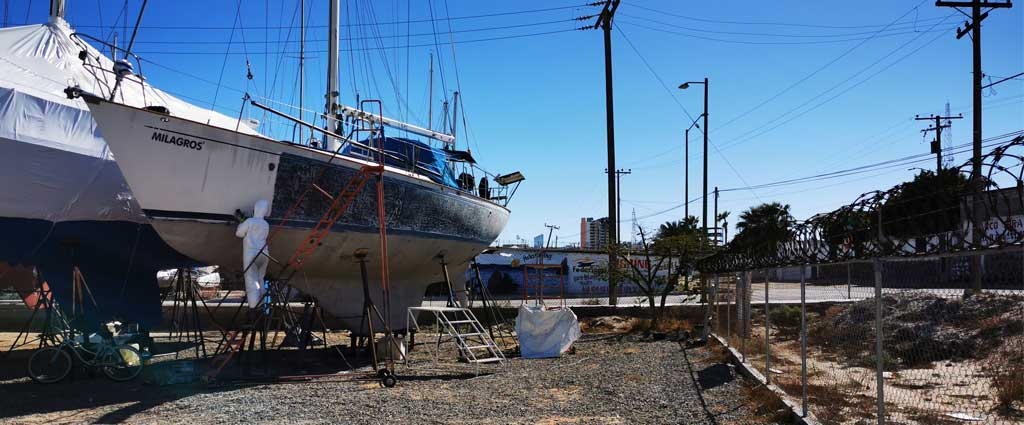 Gelcoat schleifen an unserem Blauwasser Segelschiff