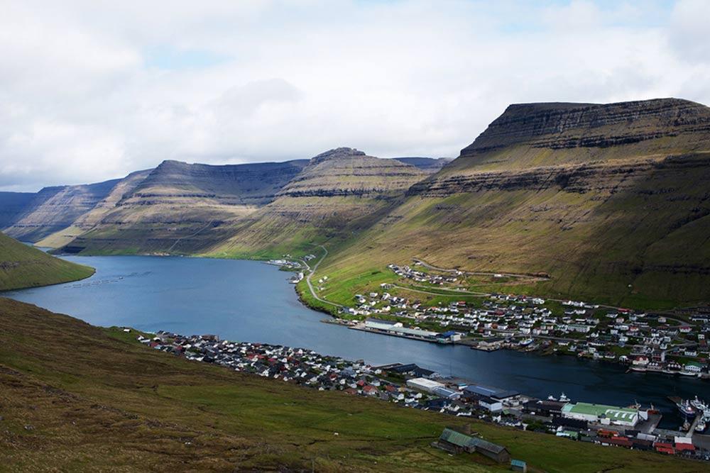 Eine Bucht auf den Färöer Inseln. Mit freundlicher Genehmigung von Katie Currid
